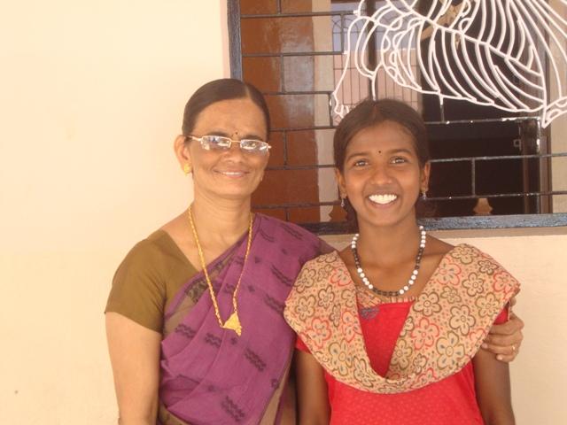 Bharati Aus Dem Waisenhaus Wird Erste